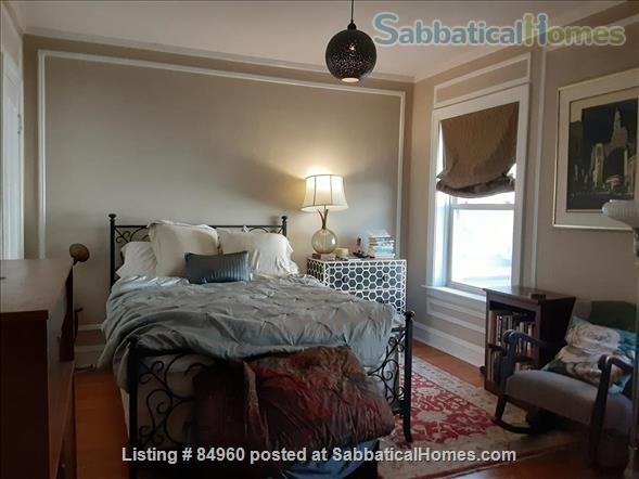 Charming, Super-quiet top floor Lincoln Park condo near lake Home Rental in Chicago, Illinois, United States 3