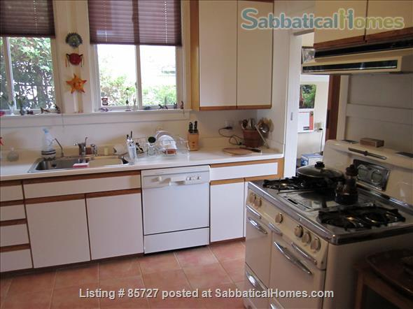 light bright craftsman bungalow Home Rental in Oakland, California, United States 4