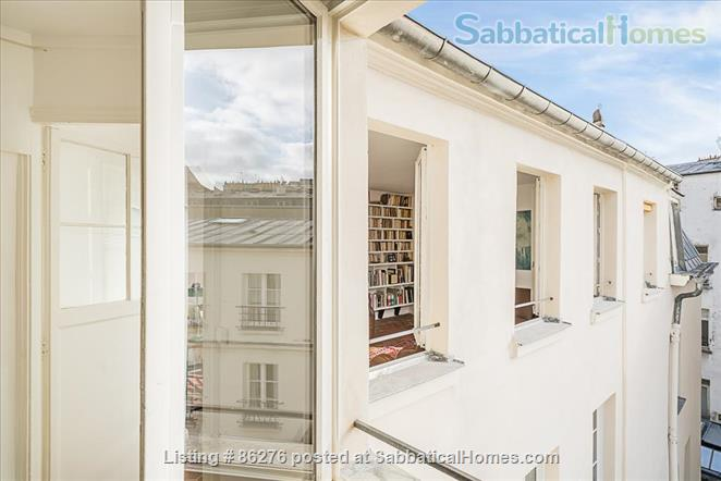Appartment with a view in the very center of Paris  Home Rental in Paris, IDF, France 2