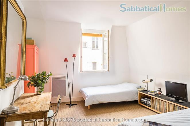 Appartment with a view in the very center of Paris  Home Rental in Paris, IDF, France 7