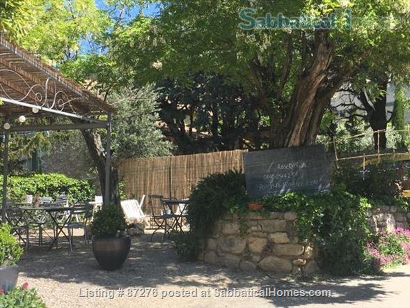 Rustic, artsy, close to nature. Home Rental in La Roque-Alric, Provence-Alpes-Côte d'Azur, France 9