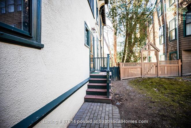 Cambridge: Beautiful 2 Bedroom+Office private apartment steps to Harvard , separate entrance, furnished  Home Rental in Cambridge, Massachusetts, United States 8