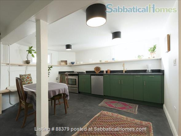 Beautiful Private Unit in Vintage home near Chicago Lakefront, NU, and Loyola Home Rental in Chicago, Illinois, United States 2