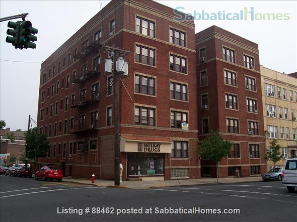 Sunny Spacious Apartment 20 minutes from Midtown Manhattan Home Rental in West New York, New Jersey, United States 9
