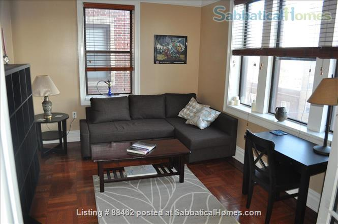 Sunny Spacious Apartment 20 minutes from Midtown Manhattan Home Rental in West New York, New Jersey, United States 1