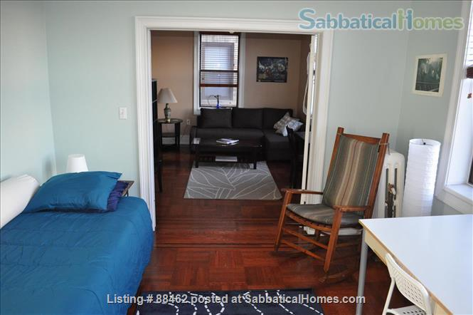 Sunny Spacious Apartment 20 minutes from Midtown Manhattan Home Rental in West New York, New Jersey, United States 2