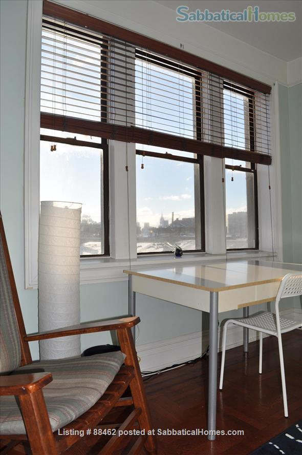 Sunny Spacious Apartment 20 minutes from Midtown Manhattan Home Rental in West New York, New Jersey, United States 4