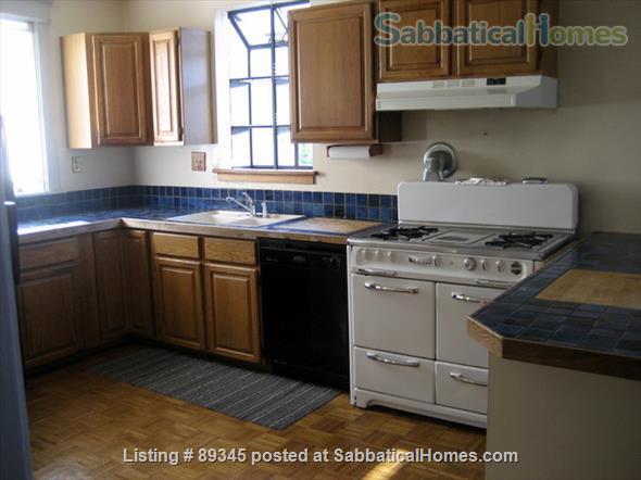 Beautiful Victorian duplex walking distance to UC Berkeley! Home Rental in Berkeley, California, United States 3
