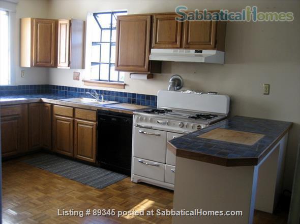 Beautiful Victorian duplex walking distance to UC Berkeley! Home Rental in Berkeley, California, United States 4