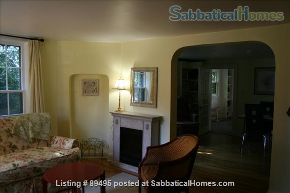 Comfortable home in lovely Port Dalhousie neighbourhood of St. Catharines in Niagara region Home Rental in St Catharines, Ontario, Canada 2