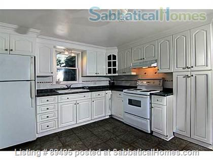 Comfortable home in lovely Port Dalhousie neighbourhood of St. Catharines in Niagara region Home Rental in St Catharines, Ontario, Canada 4
