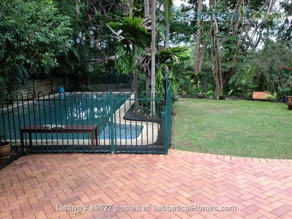 Family home in a bush setting close to The University of Queensland & schools. 3 bedroom, library, music room, study + Pool, privacy, space. Home Rental in Brisbane 0