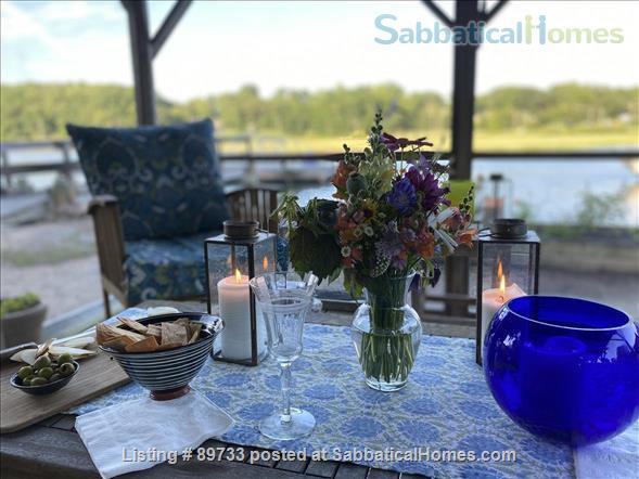 Waterfront Spectacular 3 Bedroom Home With Dock! Minutes to Yale New Haven, SCSU, Quinnipiac Home Rental in East Haven, Connecticut, United States 2