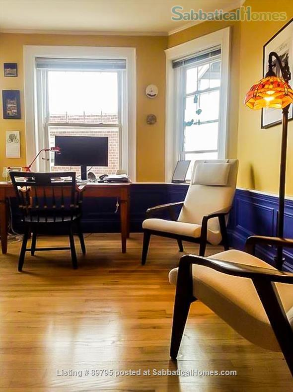 SUNNY SPACIOUS 3 BEDROOM IN BROOKLINE. WALKING DISTANCE TO COOLIDGE CORNER, MIT, AND LONGWOOD MEDICAL AREA Home Rental in Brookline, Massachusetts, United States 5