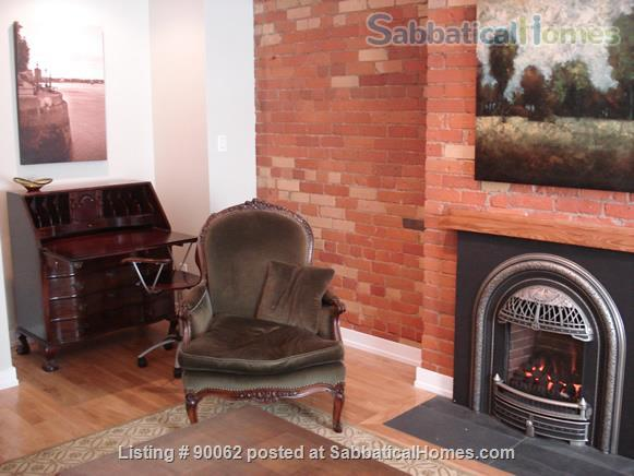 College St & Dovercourt Rd - Renovated 1-bed apartment in fantastic location Home Rental in Toronto, Ontario, Canada 2