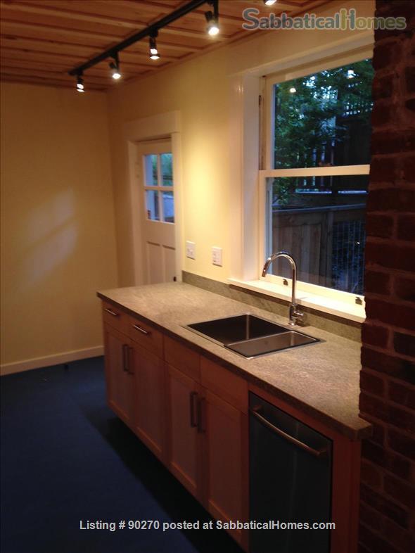1 bedroom 1 bathroom ground floor apartment Home Rental in Berkeley, California, United States 0