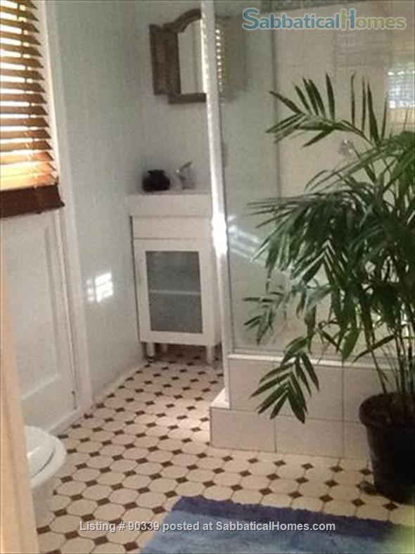 Apartment in historic, traditional 'Queenslander' house, near to the city of Brisbane Home Rental in Highgate Hill, QLD, Australia 4