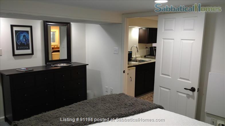 English Basement on the Orange/Blue/Silver Metro w/ Utilities Home Rental in Washington, District of Columbia, United States 2