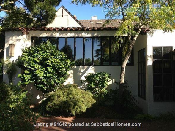 Furnished Writer's Retreat guest house  -    with Private Garden - Walk to UC Berkeley Campus.  Home Rental in Berkeley, California, United States 6