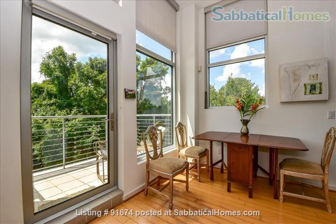 Elegant, modern condo near downtown Houston Home Rental in Houston, Texas, United States 2