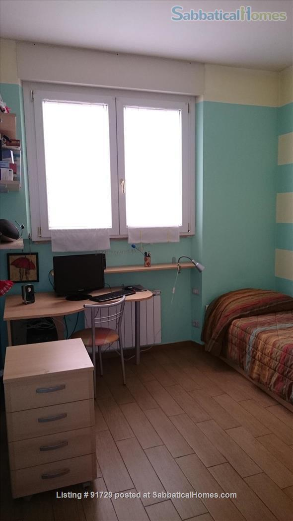 NICE APARTMENT  NEAR METRO AND BUSES ideal for students, teachers, anyone all included - Shorter stays and one room rent available - 350 € weekly Home Rental in Rome, Lazio, Italy 7