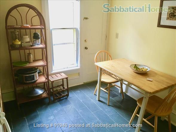A Classic Apartment on Madison's Isthmus--1.5 mi to UW Campus Home Rental in Madison, Wisconsin, United States 5