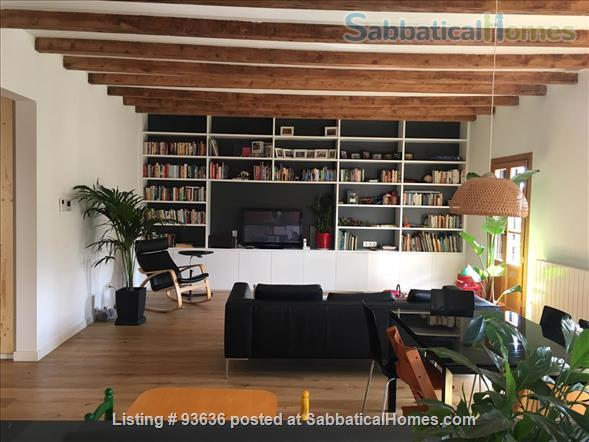 Spacious, bright, and renovated 135m2 3-Bedroom Apartment next to Arc de Triumph, Barcelona, Spain Home Rental in Barcelona, Catalunya, Spain 1