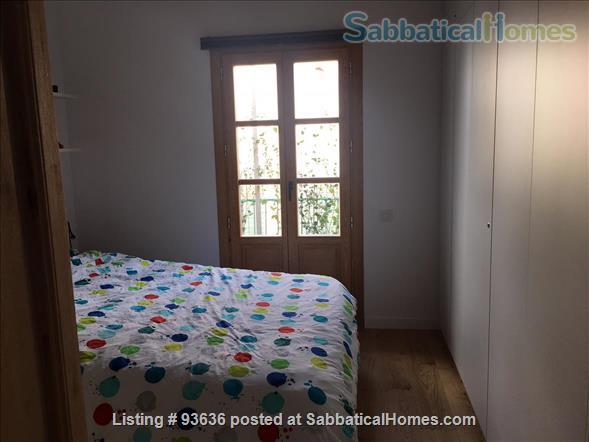 Spacious, bright, and renovated 135m2 3-Bedroom Apartment next to Arc de Triumph, Barcelona, Spain Home Rental in Barcelona, Catalunya, Spain 5