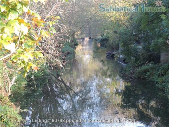 Riverside home in central Oxford with open green views Home Rental in Oxfordshire, England, United Kingdom 1