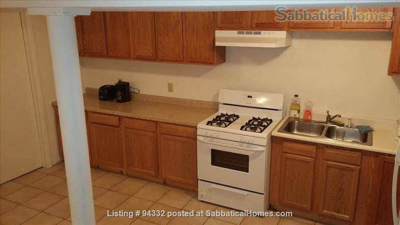 Fully-furnished 1 bedroom, 1 bath apartment near University of Illinois, Urbana-Champaign Home Rental in Urbana, Illinois, United States 2