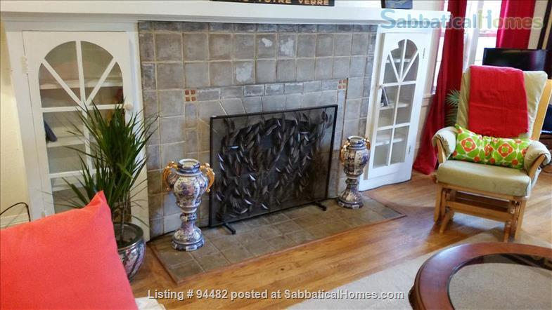 Spacious & Colorful 1 BR Apartment  - College Avenue  Home Rental in Berkeley, California, United States 2