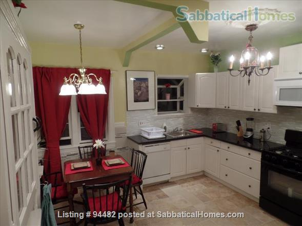 Spacious & Colorful 1 BR Apartment  - College Avenue  Home Rental in Berkeley, California, United States 3
