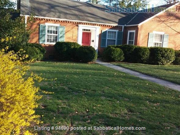 CHARLOTTESVILLE, VA:  LOVELY BRICK HOUSE NEAR UNIVERSITY Home Rental in Charlottesville, Virginia, United States 1