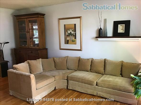 Cosy, bright home in North West London Home Rental in London, Ontario, Canada 0