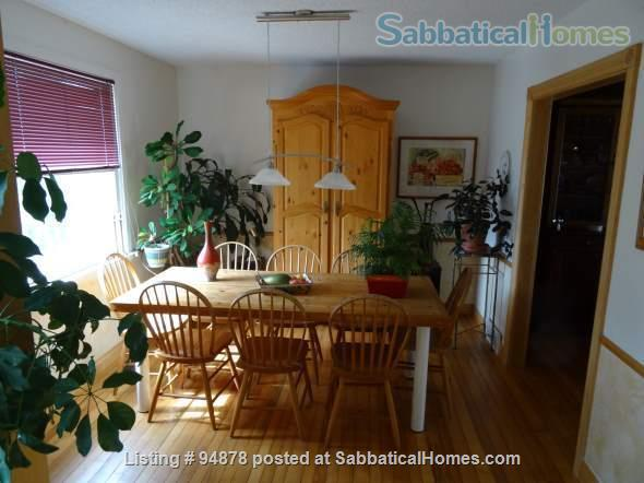 Cosy, bright home in North West London Home Rental in London, Ontario, Canada 2