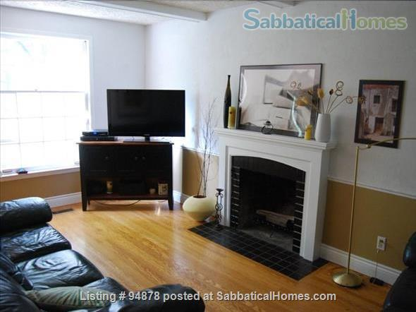 Cosy, bright home in North West London Home Rental in London, Ontario, Canada 6