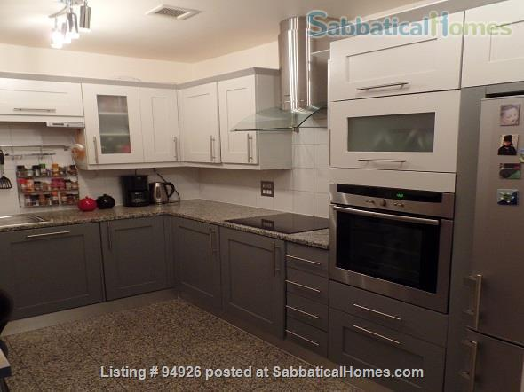 Probably the most central place in London ? Welcome to our bright, comfortable flat in South Bank, Westminster! Air Cooling, 2beds en suite, triple glazing. Super Leisure Center, weekly cleaner included. Home Rental in London, England, United Kingdom 4