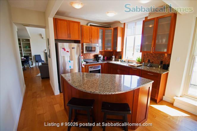 Stunning Sunset Condo Home Rental in Victoria, British Columbia, Canada 2