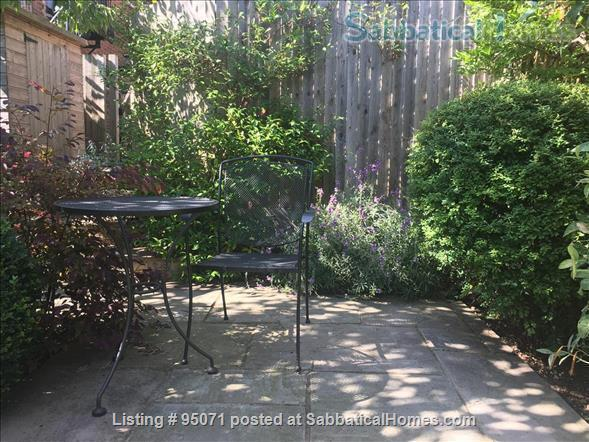 Beautiful room near Archway/Highgate in comfy quiet and SAFE home w. views over London Home Rental in Greater London, England, United Kingdom 6