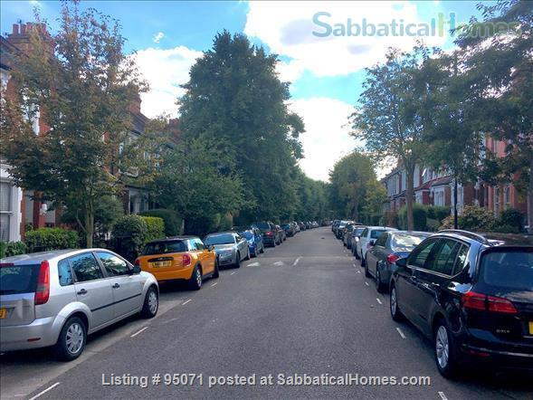 Beautiful room near Archway/Highgate in comfy quiet and SAFE home w. views over London Home Rental in Greater London, England, United Kingdom 8