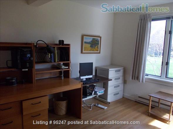 Nicely furnished 2+ bedroom luxury home in a quiet, upscale residential community -- includes linen service,  etc., 8 minutes bus to Cornell, everything included Home Rental in Ithaca, New York, United States 9