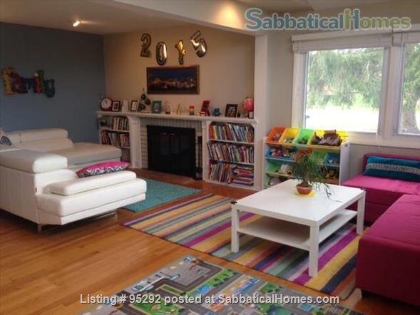 Beautiful Family House on the West Side 10-12 months (Aug 2021 - Aug 2022) Home Rental in Ann Arbor, Michigan, United States 1