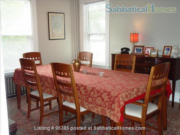 Spacious Townhouse in Newton Corner, 3 bedrooms / 2 bathrooms - Furnished Home Rental in Newton, Massachusetts, United States 0