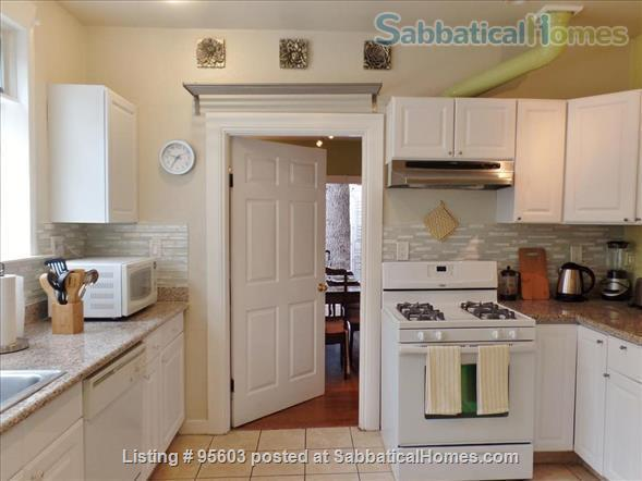 3 BR 2 BA Tudor Townhome on Tree-Lined Northside Street 6 min to Campus Home Rental in Berkeley, California, United States 4