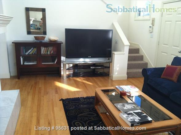 Light-filled furnished condo near Berkeley's 4th Street - great for couple or young family Home Rental in Berkeley, California, United States 2