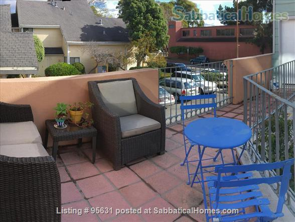 Light-filled furnished condo near Berkeley's 4th Street - great for couple or young family Home Rental in Berkeley, California, United States 7