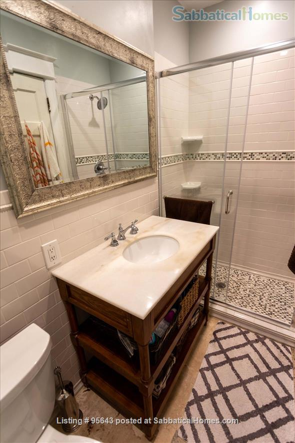 End Unit Rowhouse in Eckington Home Rental in Washington, District of Columbia, United States 3
