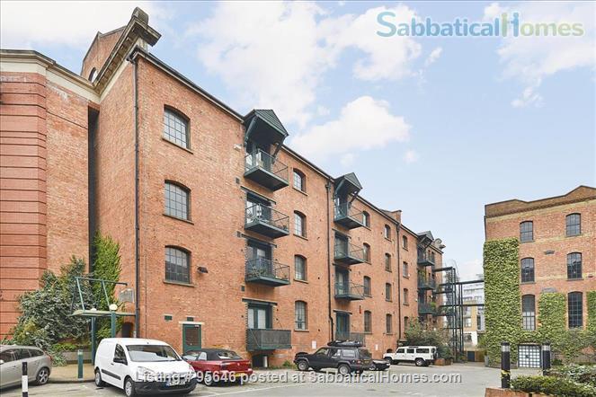 Sleek converted loft apartment in East London -- belongs to US-based academic family Home Rental in London, England, United Kingdom 3
