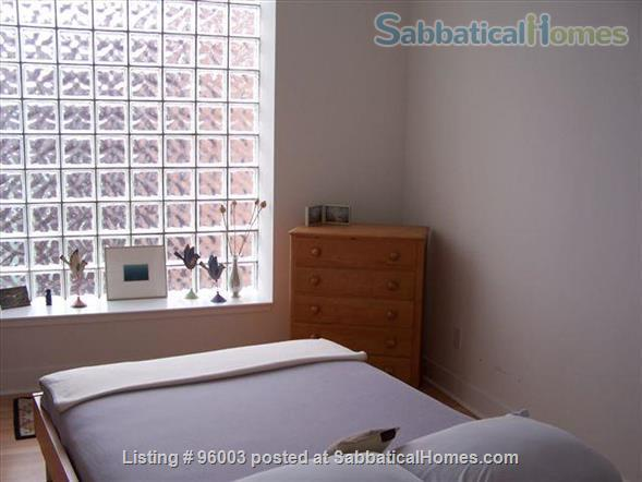 Spacious, airy Condo in Downtown Toronto Home Rental in Toronto 3