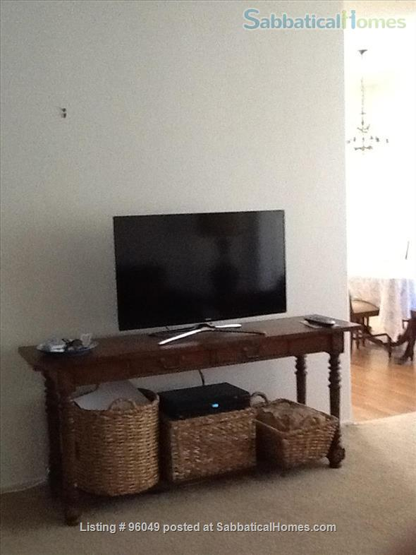 2 br and bath condo Home Rental in Pasadena, California, United States 3